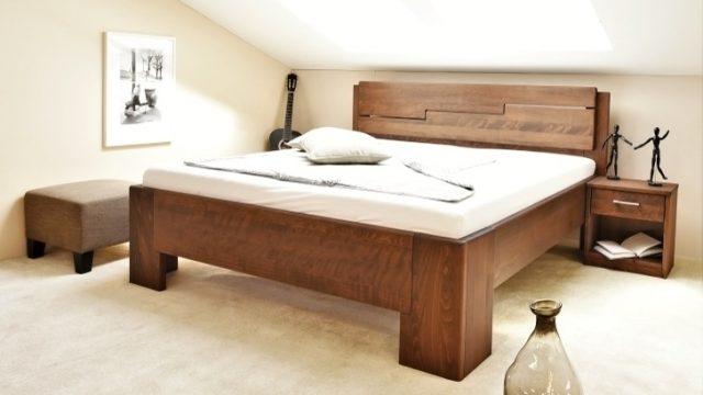 Krása apevnost manželské postele zbukového masivu