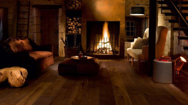 Dřevěná podlaha má styl avýdrž. Jaké dřevo je ideální do obýváku ajaké do předsíně?