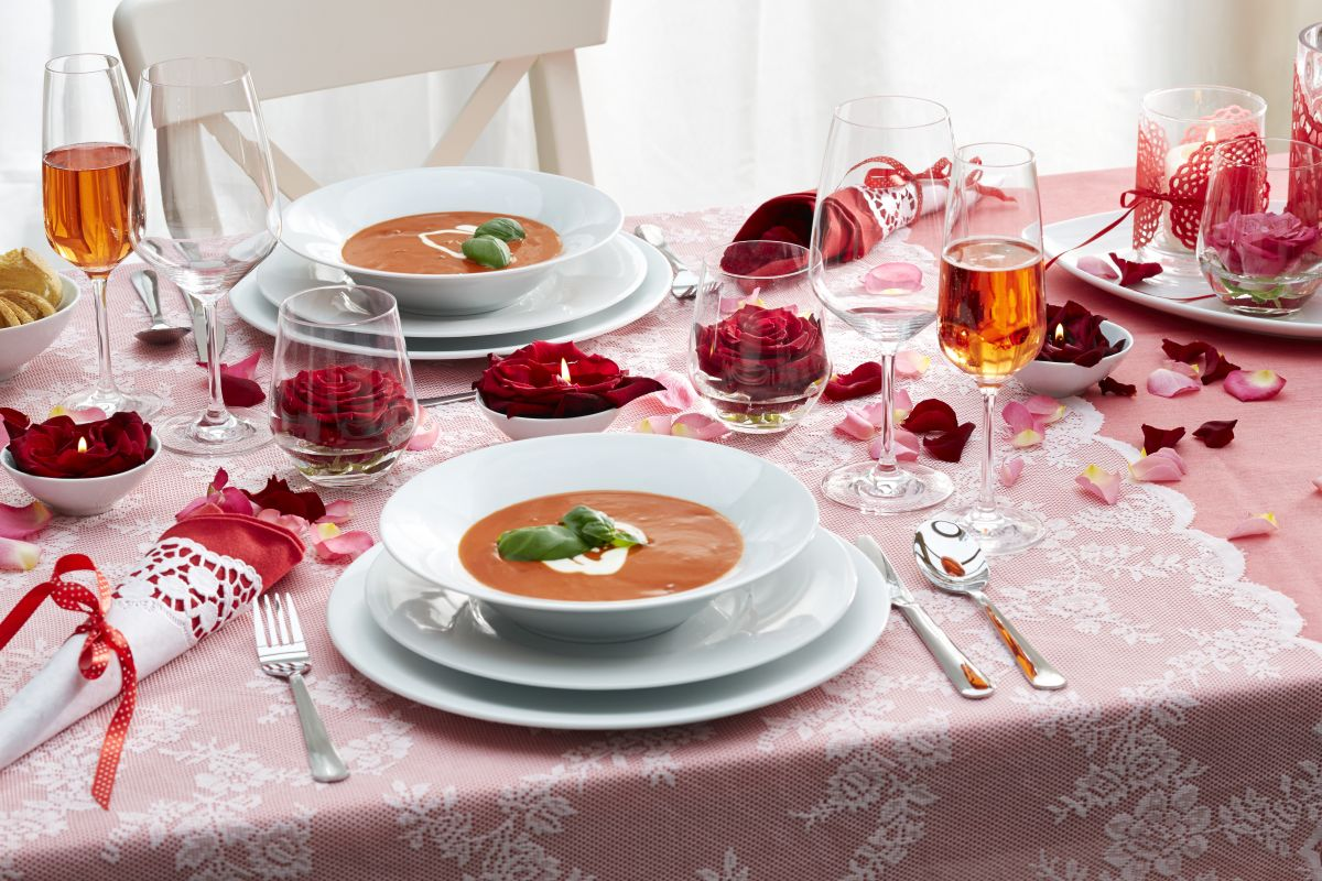 obr.02_kahla-romantisches-dinner-2.jpg