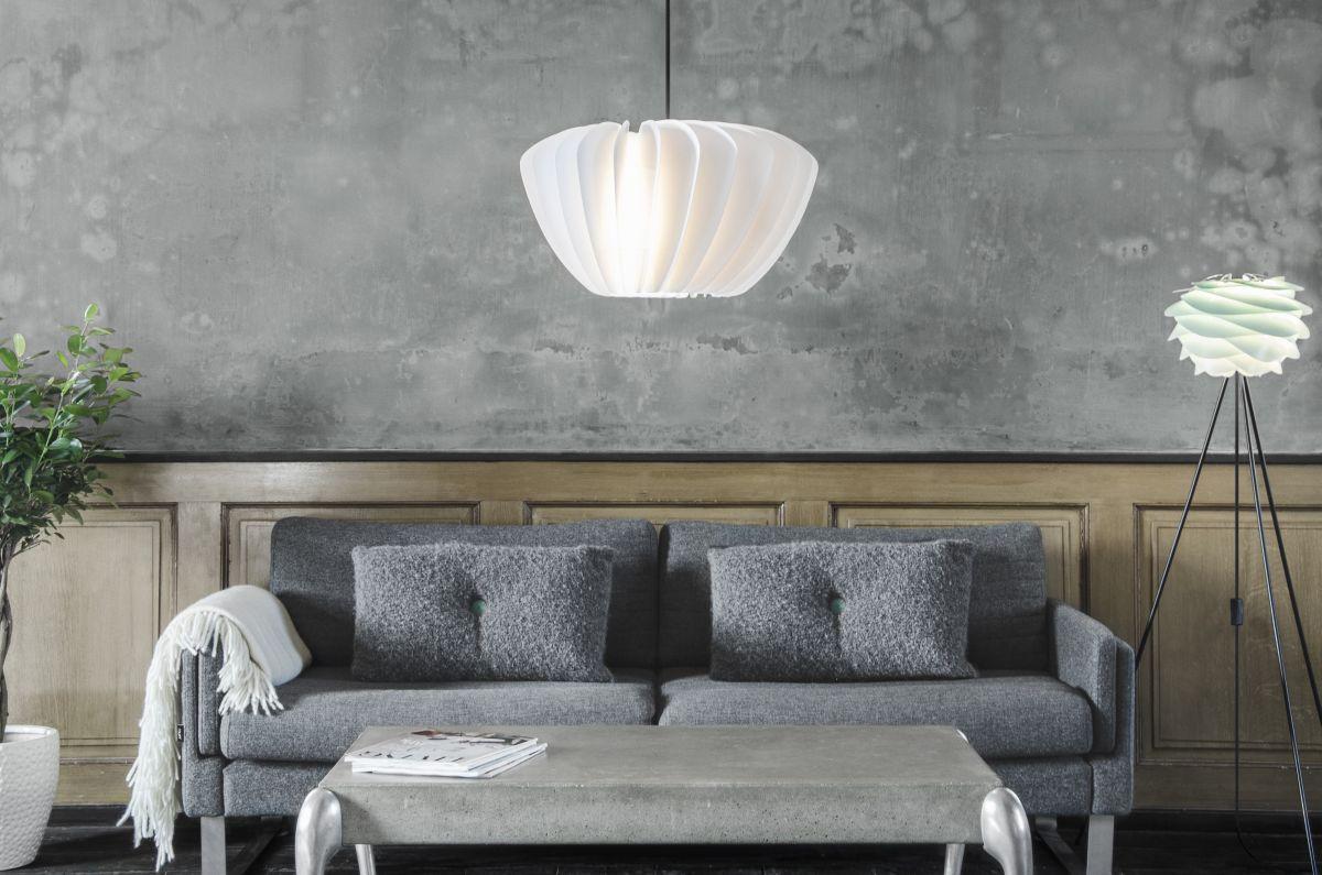 obr.15_blacklamp-shade-white.jpg