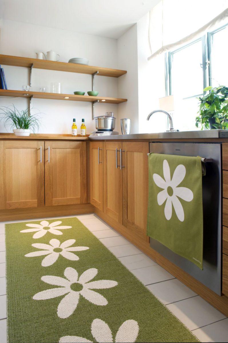 obr.08_cloudberry-livingpappelina-lilo-olive-green-rug-1200x1200.jpg