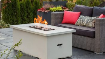 obr.12_firetable-lit-patio-352x198.jpg