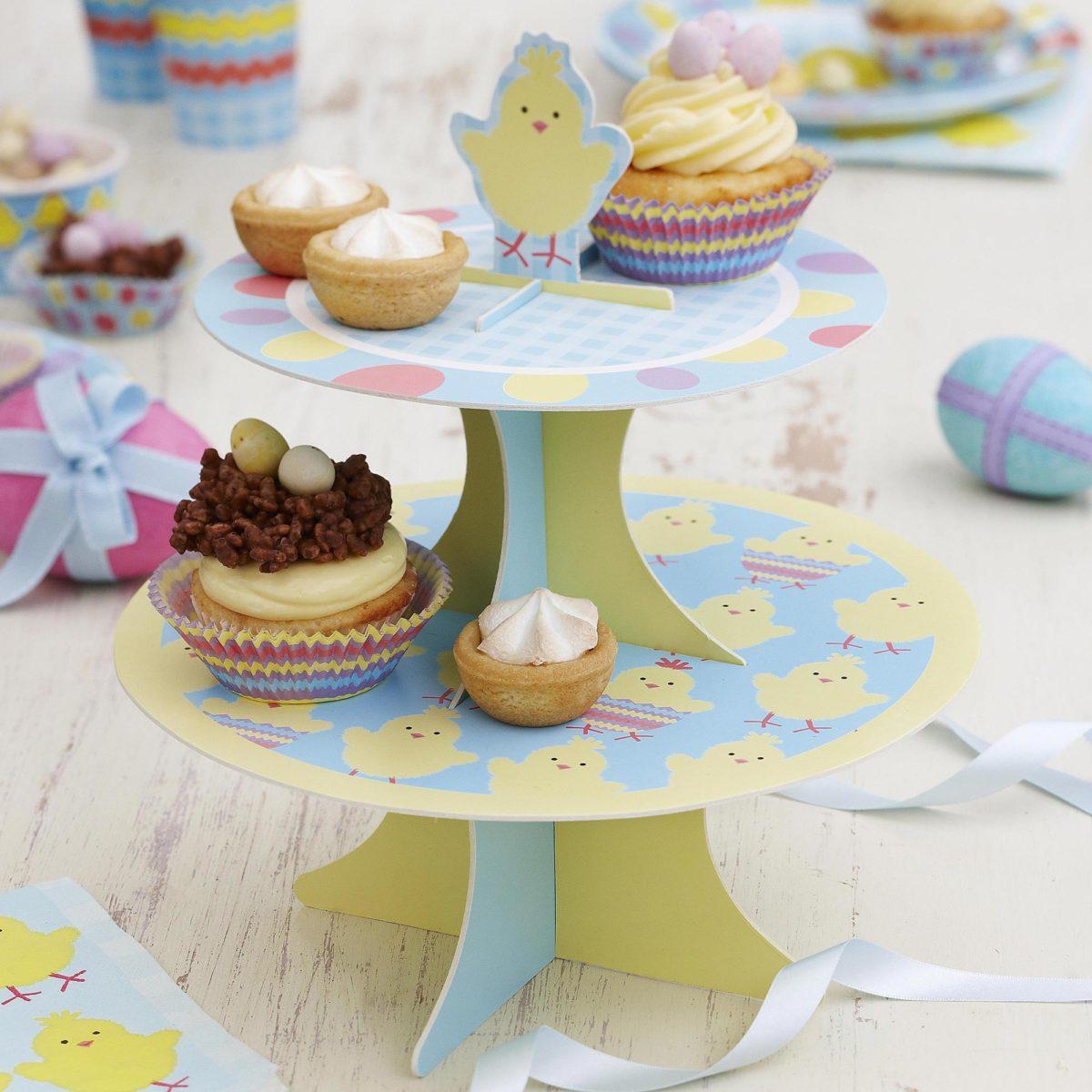 obr.17_neviti_easter-chick-cake-stand-1200x1200.jpg