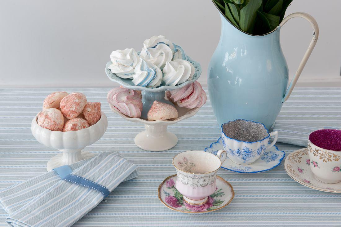 obr.19_cottage-in-the-hills_ledbury-soft-duck-egg-and-grey-stripe-table-linen-napkins.jpg