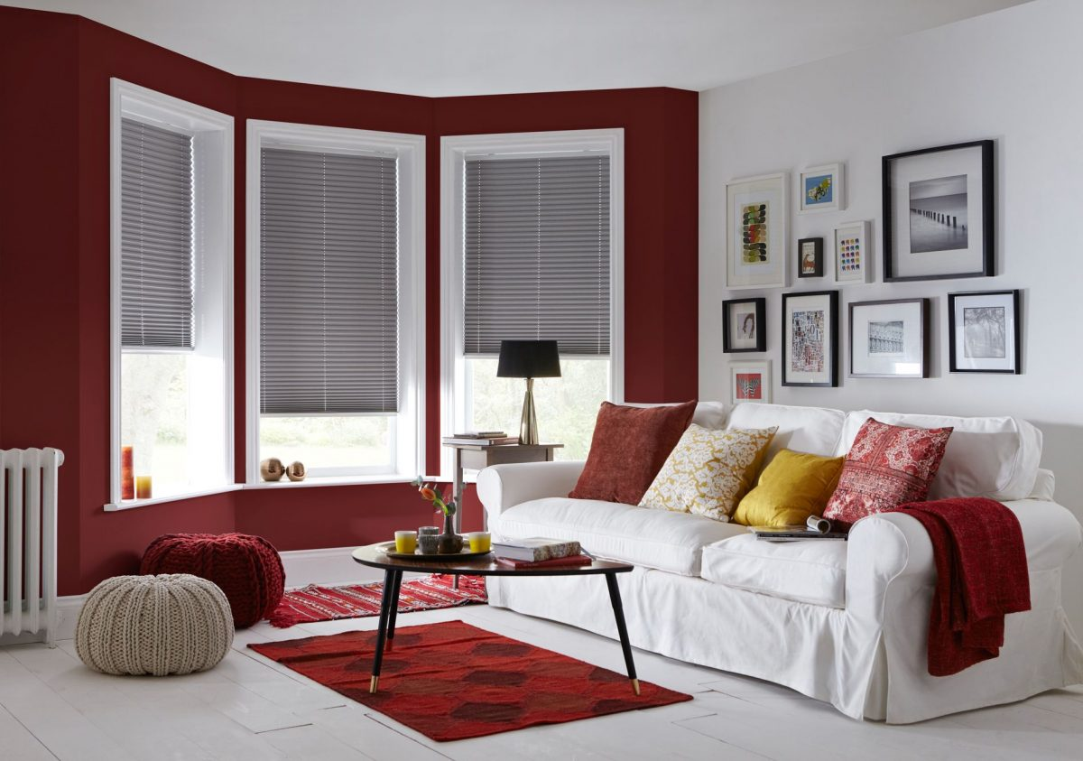 obr.3_english-blinds_living-room-blinds-luxury-grey-pleated-blinds-1200x1200.jpg