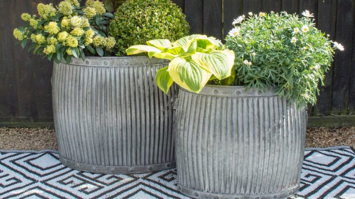 obr.1_miafleur_oval-chedworth-zinc-planters-set-of-2-728x409.jpg