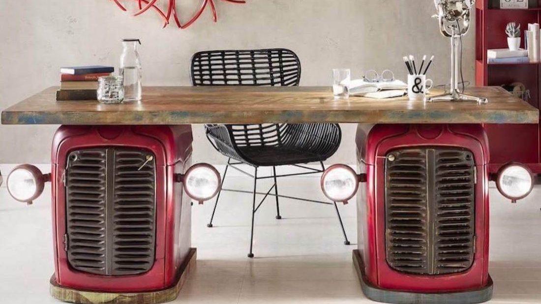 obr.1_tractor-desk-1100x618.jpg