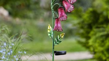 obr.2_the-glow-company_solar-foxgloves-stake-light-352x198.jpg