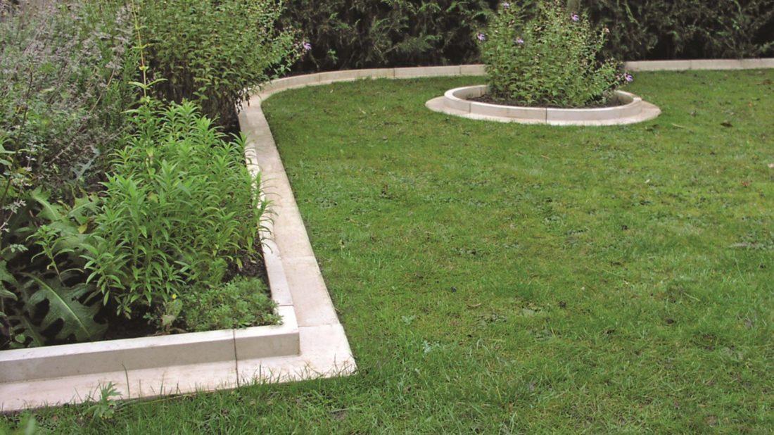 04haddonstone_arcadian-lawn-edging-1100x618.jpg