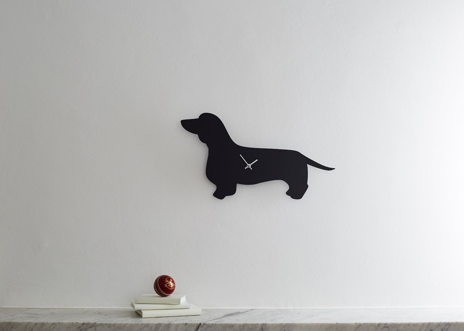 5anabel-jamesdachshund-clock-with-wagging-tail-2.jpg