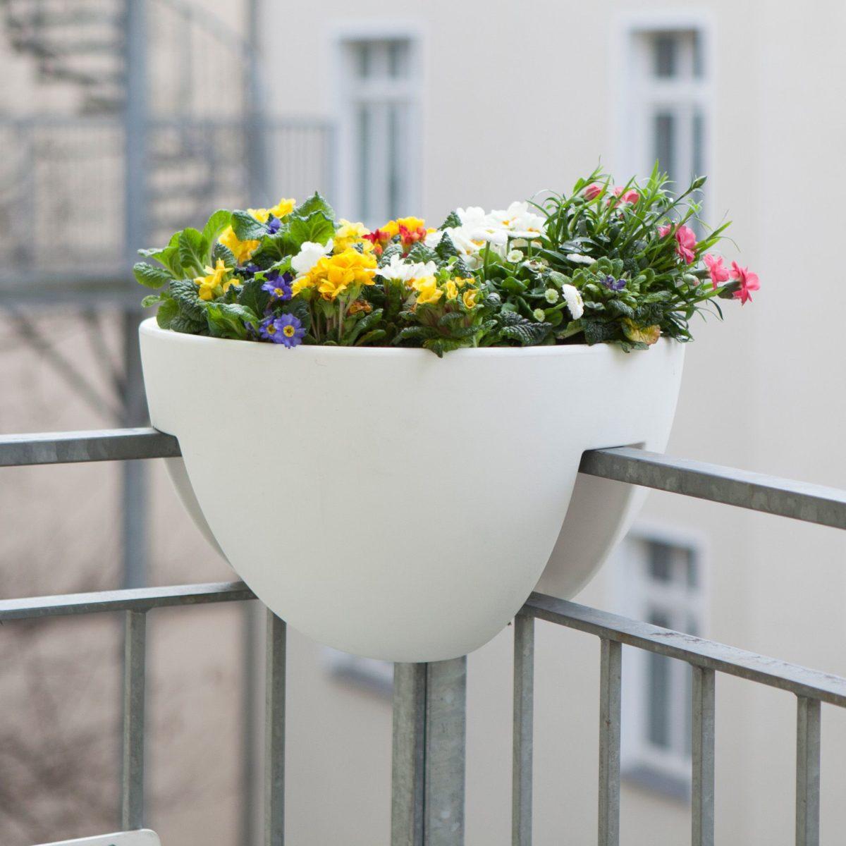 8design3000.de_eckling-pflanzenbehälter-fĂlr-eckgeländer-1200x1200.jpg
