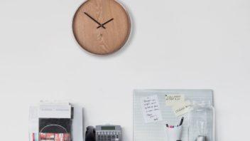 9black-byumbra-madera-wall-clock-natural-352x198.jpg