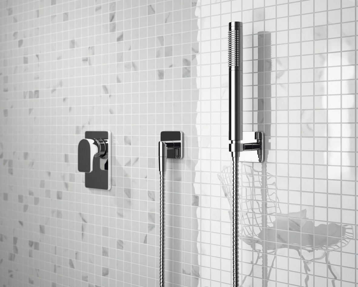 13ceramica-sant039agostino_themar-wall-_-mosaico-100-statuario-venato-_-bathroom.jpg