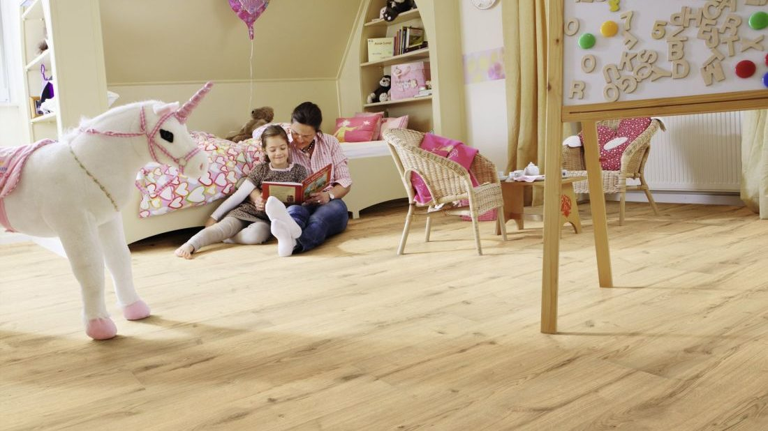 2ekologicka-elasticka-podlaha-wineo-purline_kolekce-wood-xl_dekor-garden-oak_kpp.cz_-1100x618.jpg