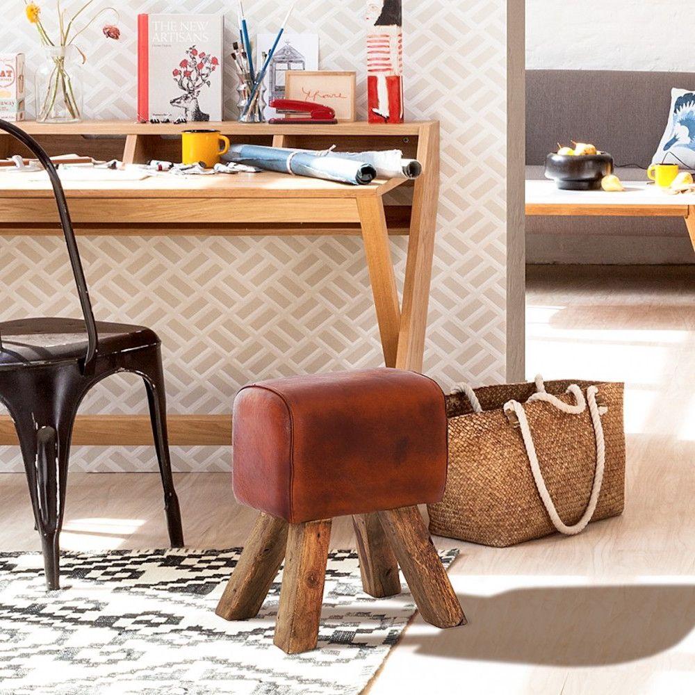 3smithers-of-stamford_pommel-bench-stool.jpg
