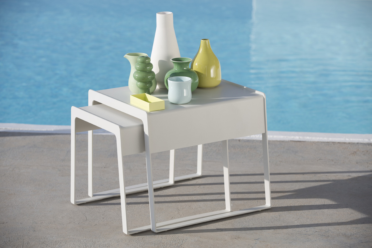 01_cali_chillout_sidetable_16.jpg