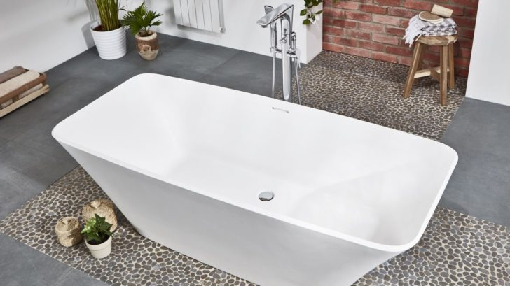 1frontline-bathrooms_aquanatural-elite-bath-728x409.jpg