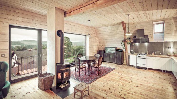 4hlavni-obytny-prostor-vyhled-na-hrebeny-hor-728x409.jpg
