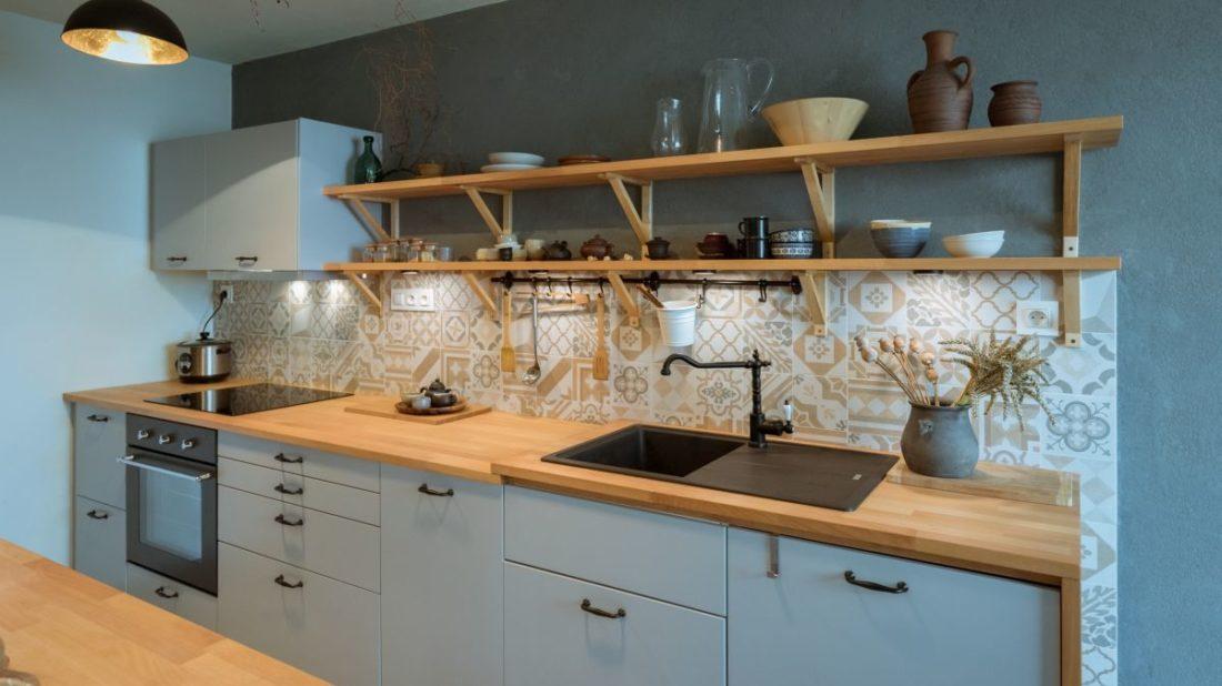 16913027d9d3 Nekonvenční řešení koupelny a kuchyně lze realizovat i v paneláku ...