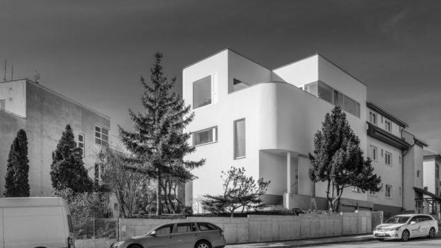 Exkluzivní přestavba rodinného domu pod Kraví horou