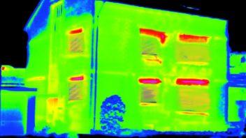 termovizni-snimek_tepelna-ztrata-u-neizolovane-budovy-je-zhruba-50-352x198.jpg