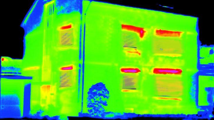 termovizni-snimek_tepelna-ztrata-u-neizolovane-budovy-je-zhruba-50-728x409.jpg