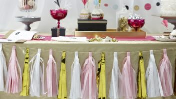 12ginger-ray_confetti-party-pink-white-amp-metallic-gold-tassle-garland-352x198.jpg