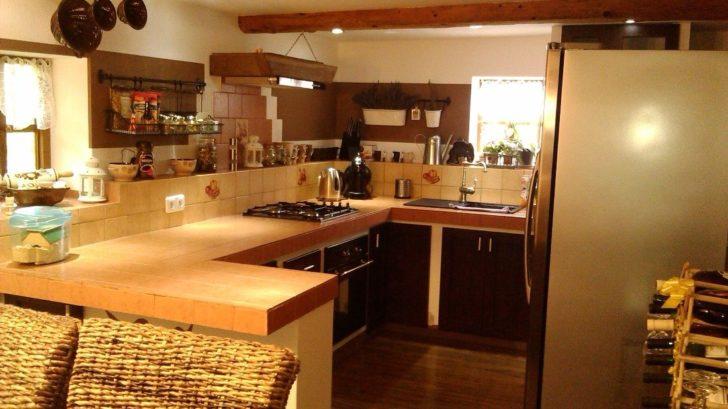 3-misto-kuchyne-v-roubence-728x409.jpg