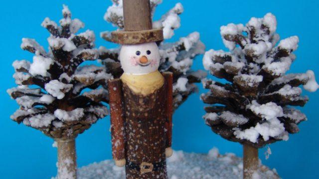 Jak si udělat sněhuláčka zpřírodních materiálů