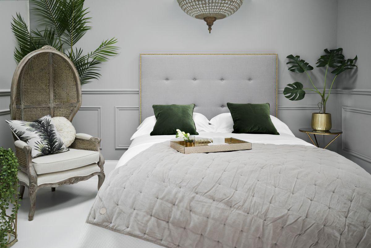 21sweetpea-amp-willow_rickard-bed-kingsize-luxury-linen-kensington-silver.jpg