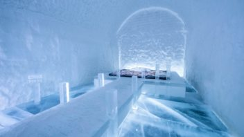 art-suite-danger-thin-ice-icehotel-365-1400x932-352x198.jpg