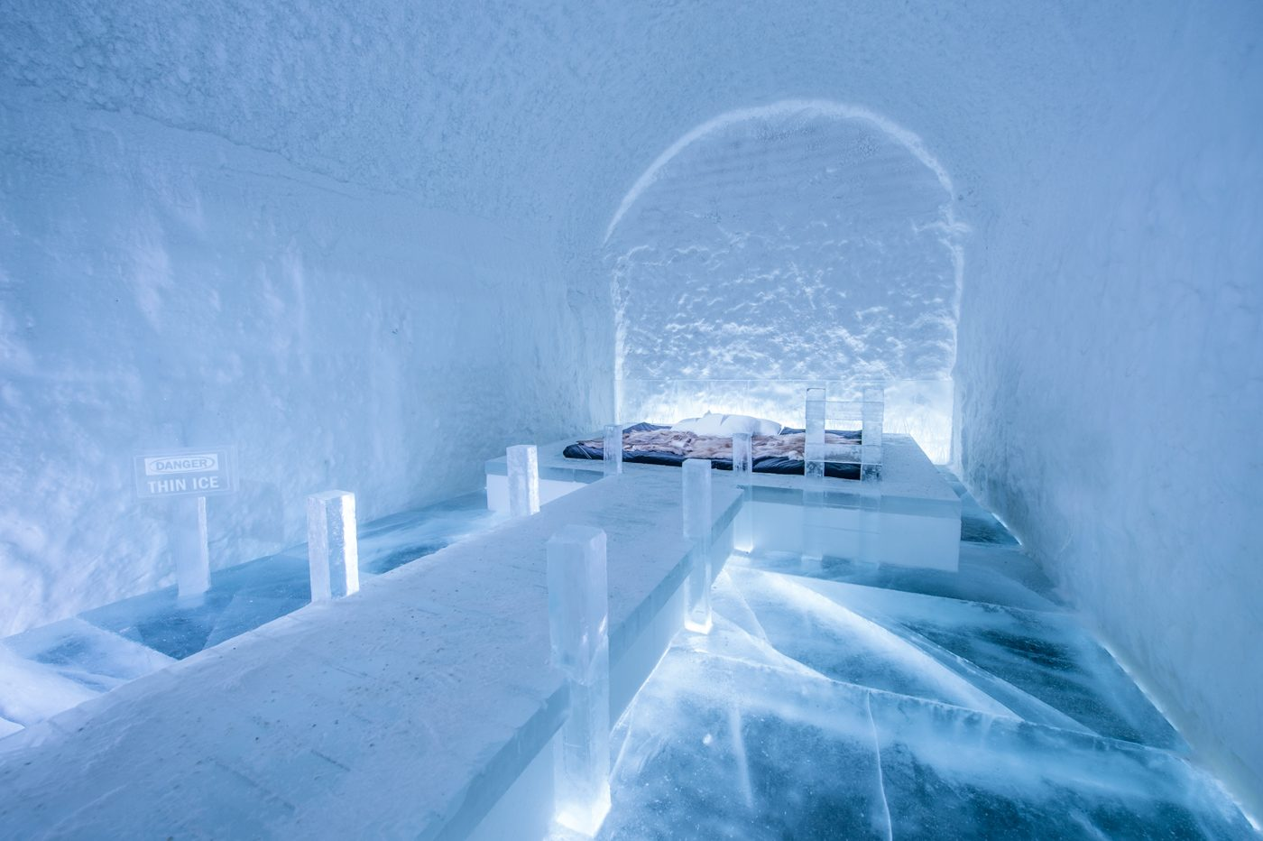 art-suite-danger-thin-ice-icehotel-365-1400x932.jpg
