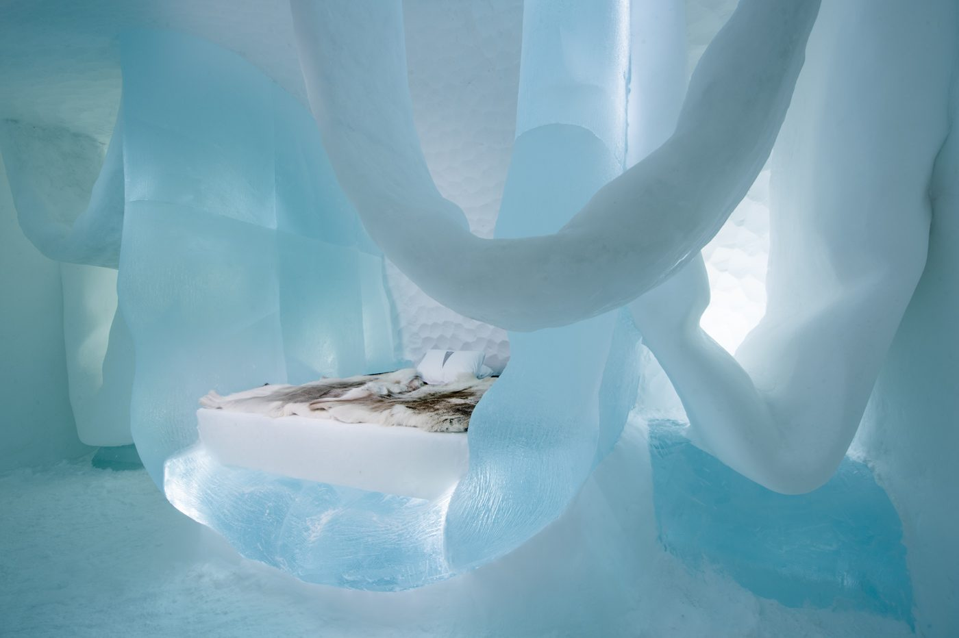 art-suite-hang-in-there-icehotel-28-1400x932.jpg
