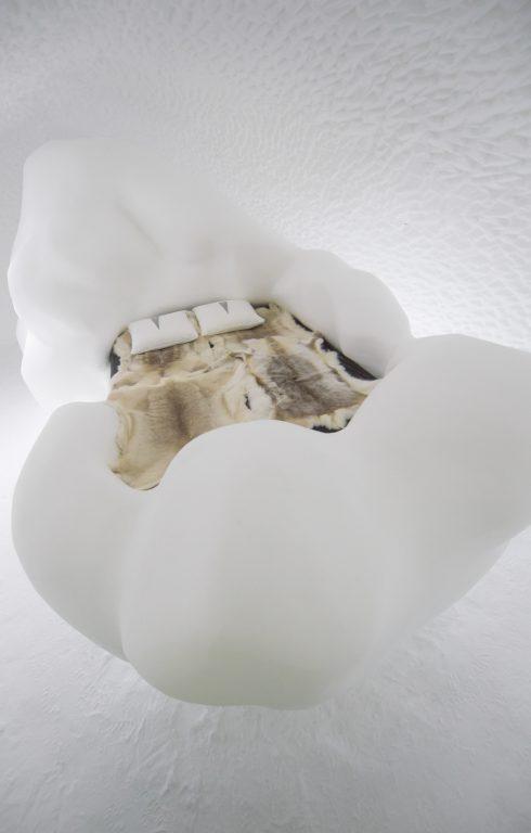 art-suite-wandering-cloud-icehotel-28-490x768.jpg