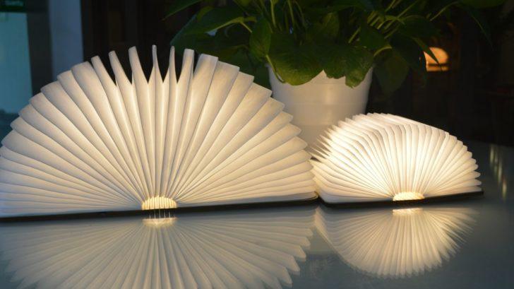 15ksl-living-lampe-design-originale-et-nomade-en-forme-de-livre-2-tailles-book-light-par-gingko-728x409.jpg