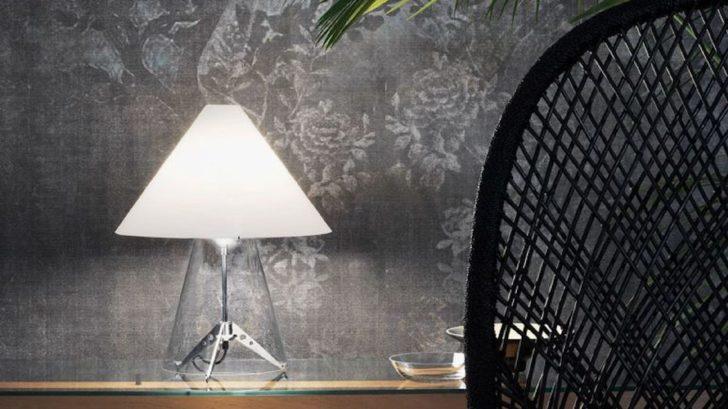 17nedgis_lampe-Ă-poser-metafora-transparent-blanc-Ă49cm-h58cm-fontana-arte-728x409.jpg