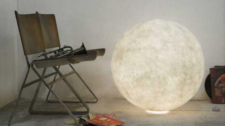 5nedgis_lampe-Ă-poser-au-sol-floor-moon-3-blanc-Ă120cm-in-es.artdesign-728x409.jpg