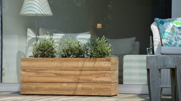 16ksl-living-jardiniere-en-teck-recycle-et-acier-inoxydable-3-tailles-mini-garden-par-jankurtz-3-728x409.jpg