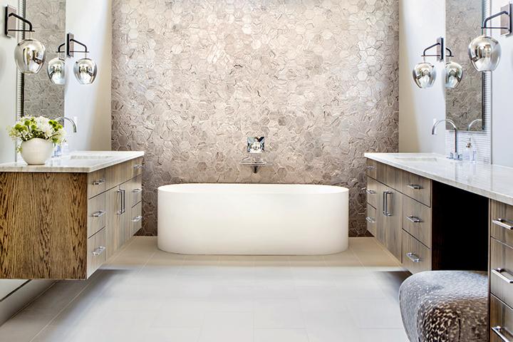 022-3608-verano-master-bath.jpg