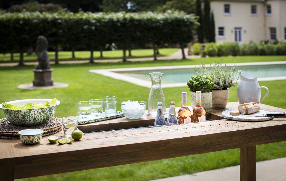 12garden-trading_garden-trading-ss18-outdoor-dining-group-shot.jpg