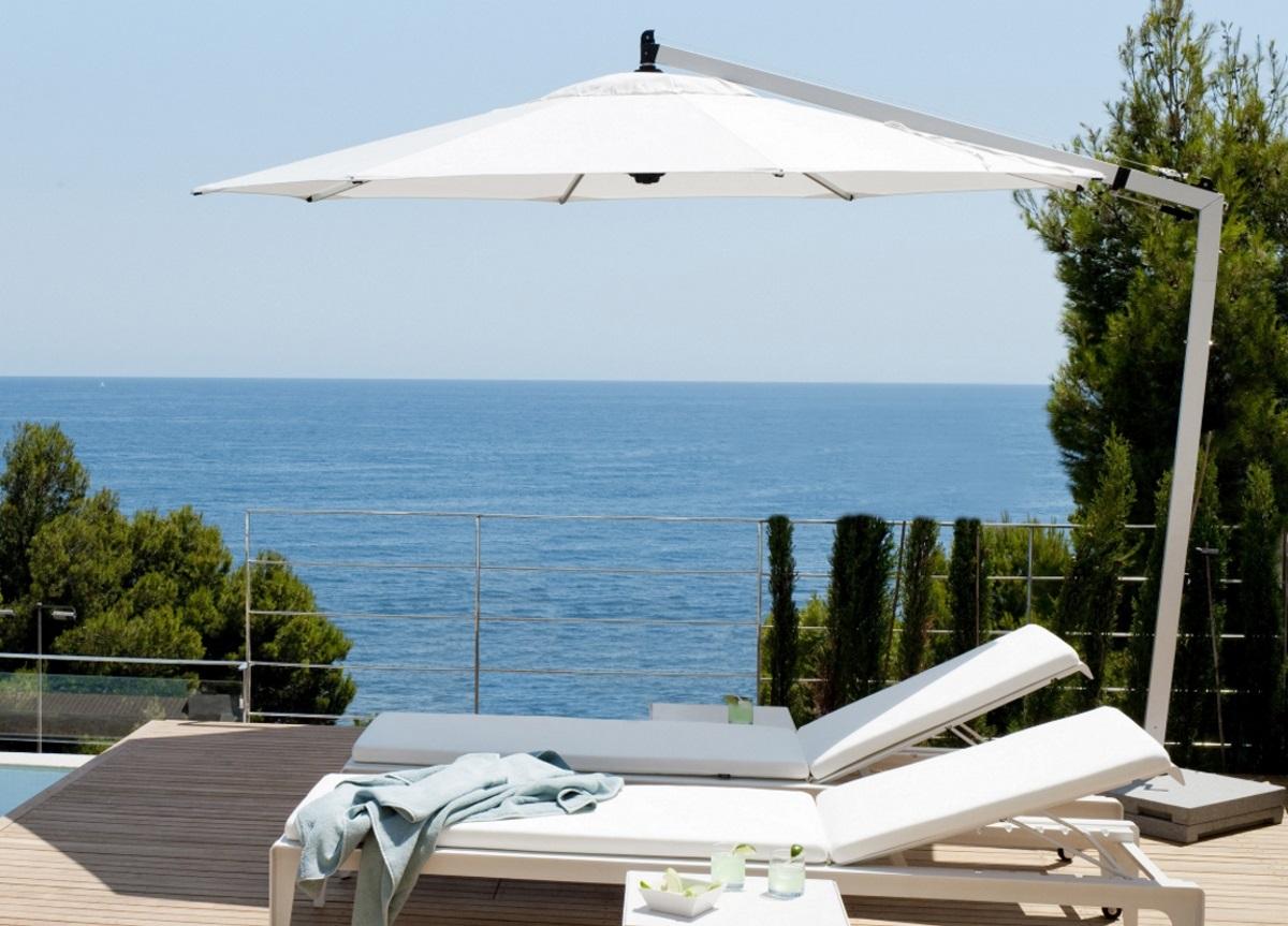 1go-modern-furniture_tribu-vitino-pendulum-tilt-garden-parasol.jpg