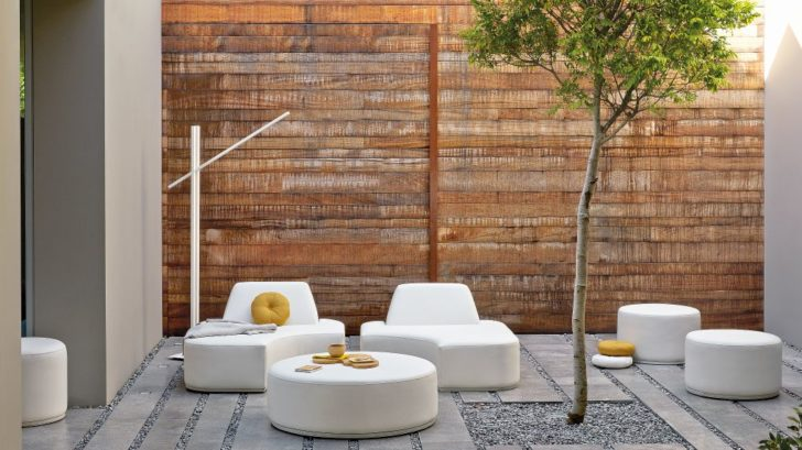 2go-modern-furniture_manutti-moon-island-garden-seating-728x409.jpg