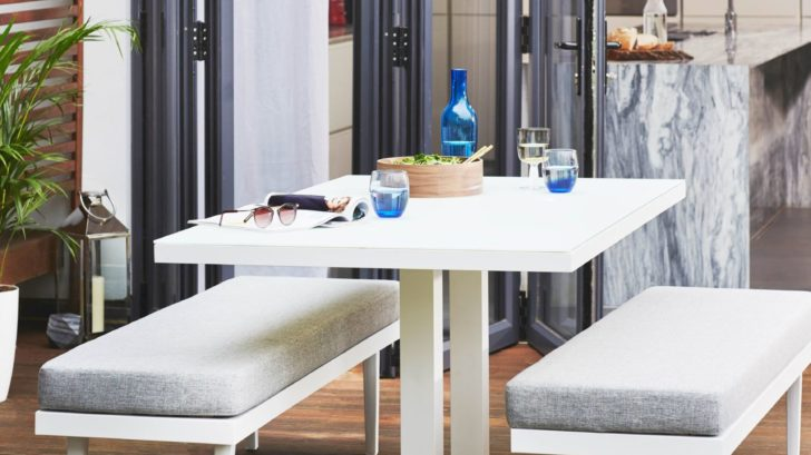 6danetti_palermo-white-6-seater-pedestal-outdoor-dining-table-728x409.jpg
