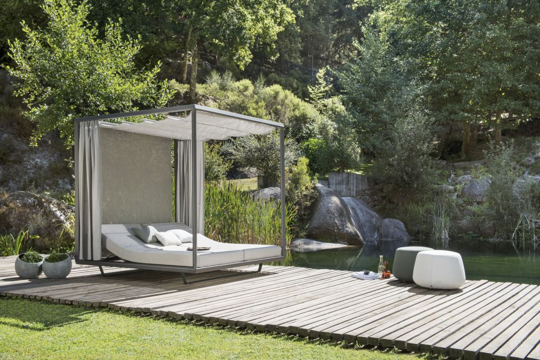 15go-modern-furniture_tribu-pavilion-daybed.jpg