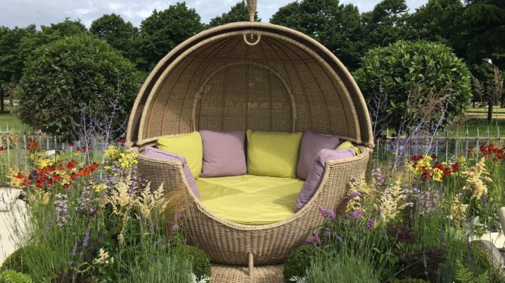 1the-garden-furniture-centre_apple-day-bed-sega-weave-728x409.jpg