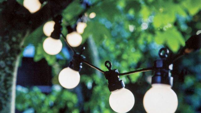 Venkovní osvětlení umocní tajemnou atmosféru letních večerů