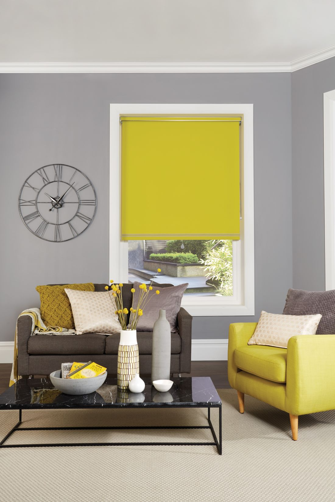 12english-blinds_yellow-blinds-living-room-roller-blinds.jpg