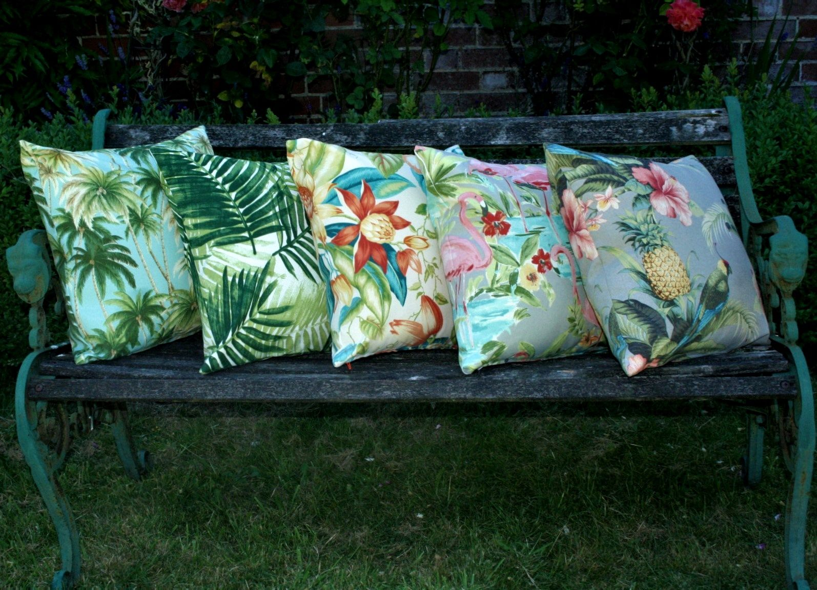 15ragged-rose-ltd_showerproof-garden-cushions.jpg