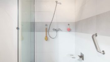 3-koupelna-francova-lhota-04-352x198.jpg