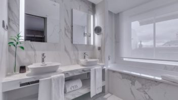3full_neolith_estatuario_bathroom-352x198.jpg